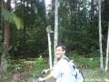 Penulis mengambil gambar kenangan dengan 'penduduk asli' Bukit Cerakah.
